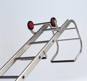 Single section extendable industrial roof ladder