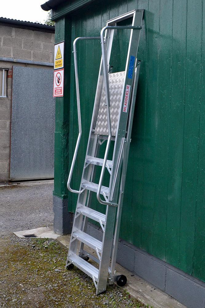 Aluminium And Glass Fibre Aws Platform Step Ladder