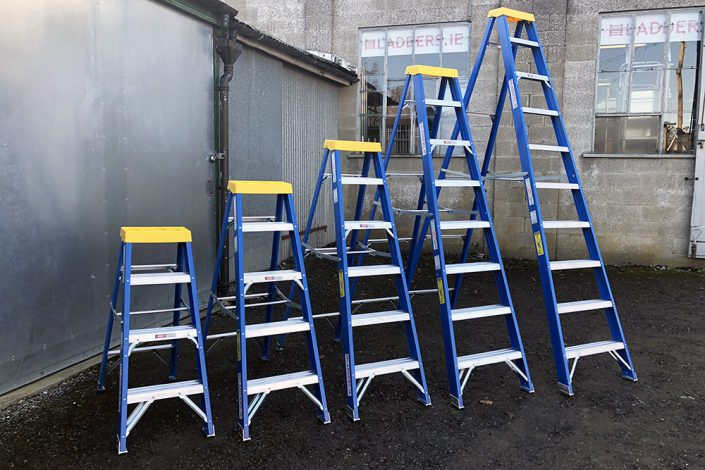 Trade Blue Swingback Ladder