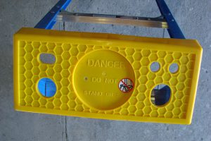 Trade Blue Swingback Ladder Ladder Top