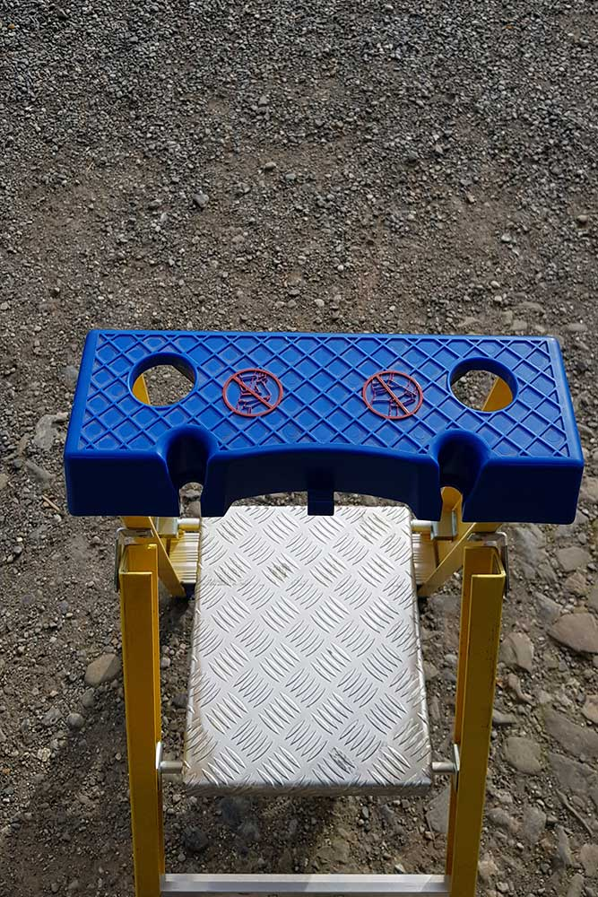 Trade Yellow Platform Stepladder - Lid