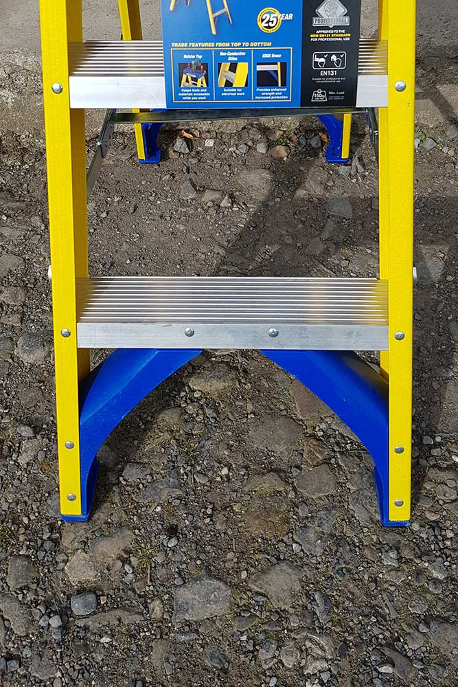 Trade Yellow Swingback Stepladder - feet