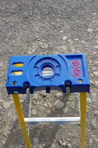 Trade Yellow Swingback Stepladder - lid